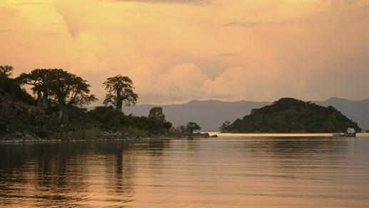 Resor till Malawi - Njut av solnedgången vid Lake Malawi
