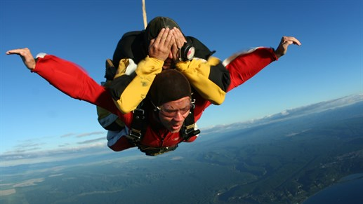 new-zealand-skydive.jpg