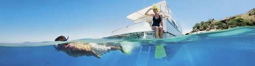 qsd-great-barrier-reef-snorkeling-boat-520.jpg