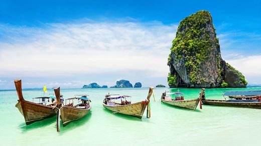 Vanligaste färdmedlet bland öarna i Thailand är Longtailbåt