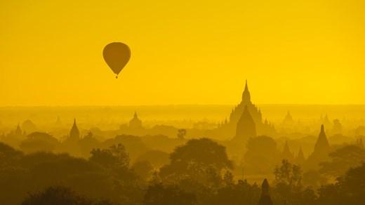 Magisk soluppgång i Burma